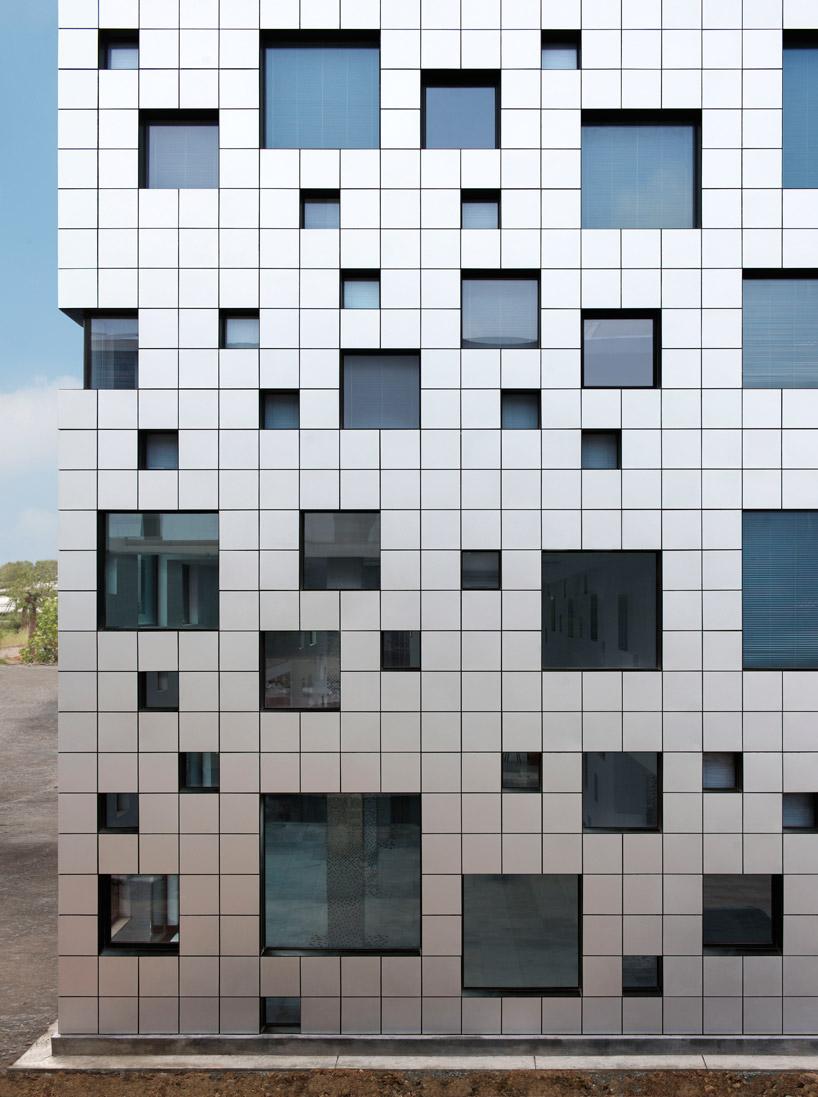 SAKO architects cube tube