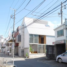 Junpei Nousaku Architects Small House In Shinjuku