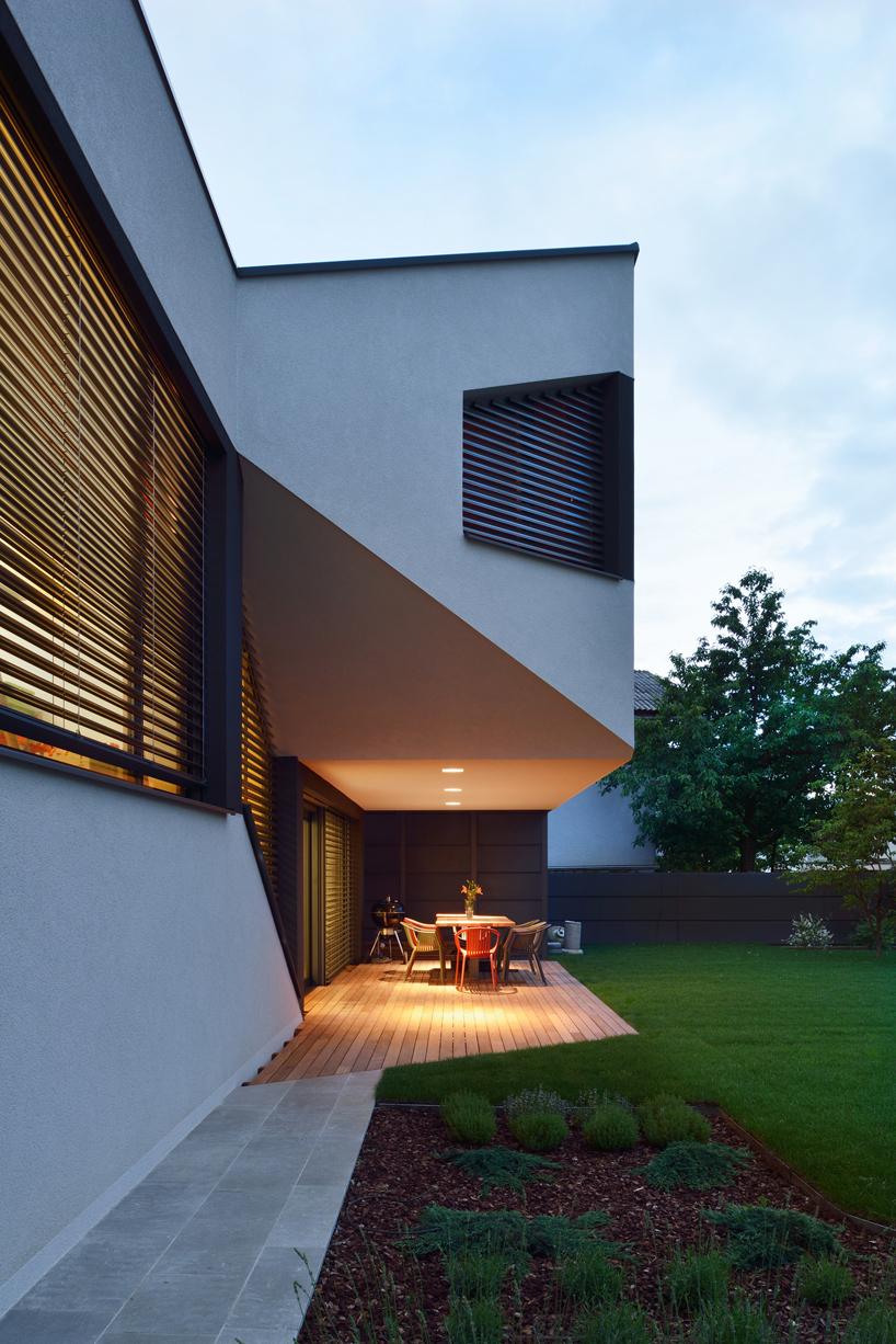 Elastik Hikikomori S Mezzanine House In Ljubljana Uses A