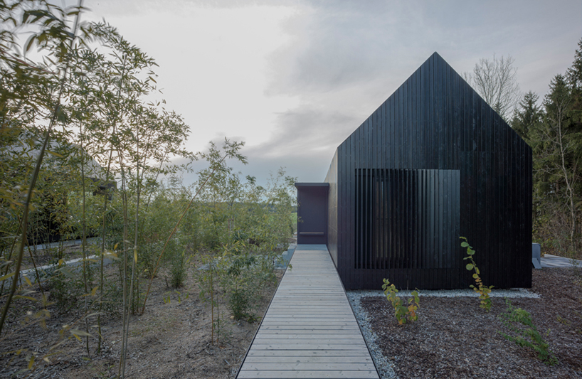 Format Elf Nestles Dark Barn Shaped Houses Into Bavarian