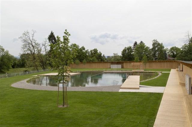 Herzog-de-meuron-Naturbad-riehen-designboom-02