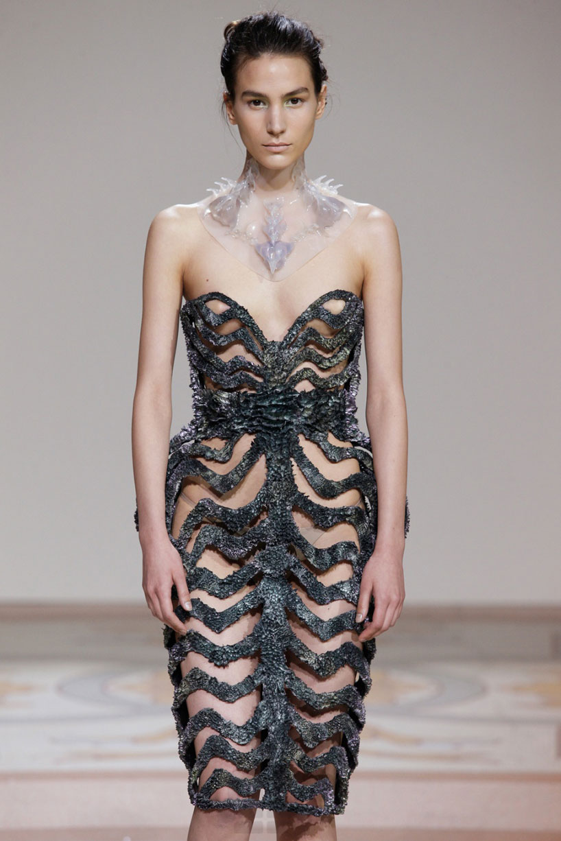 Annemette beck and iris van herpen two designer maker for Haute couture materials