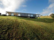 BVN donovan hill places mann house in new zealand landscape
