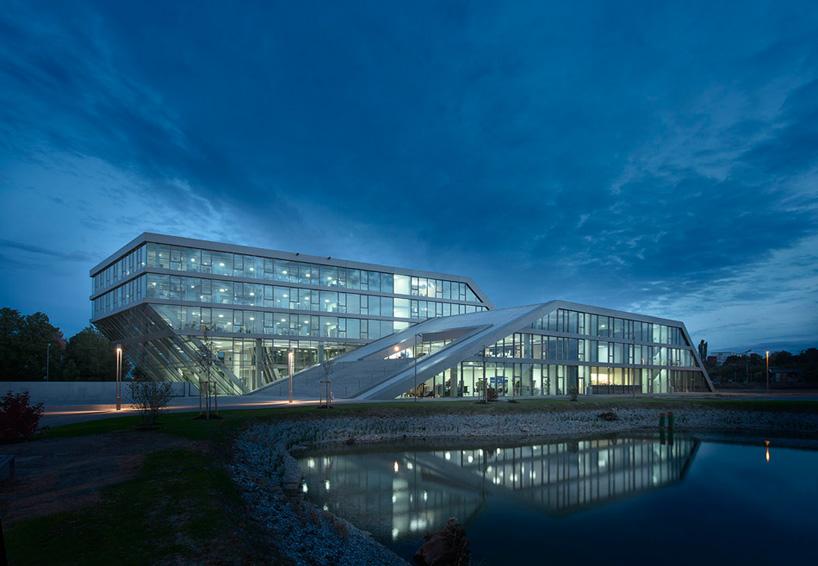 hahn  kolb logistics center by sigrid hintersteininger architects