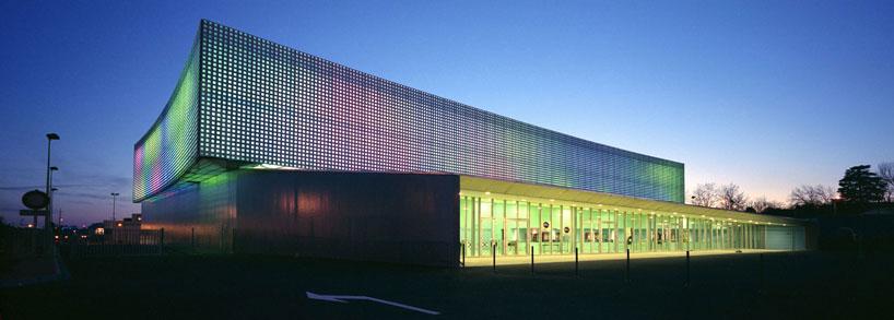 le prisme multipurpose hall by brisac gonzalez architects