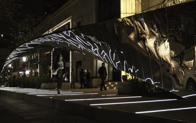 UNStudio twists xintiandi installation through shanghai