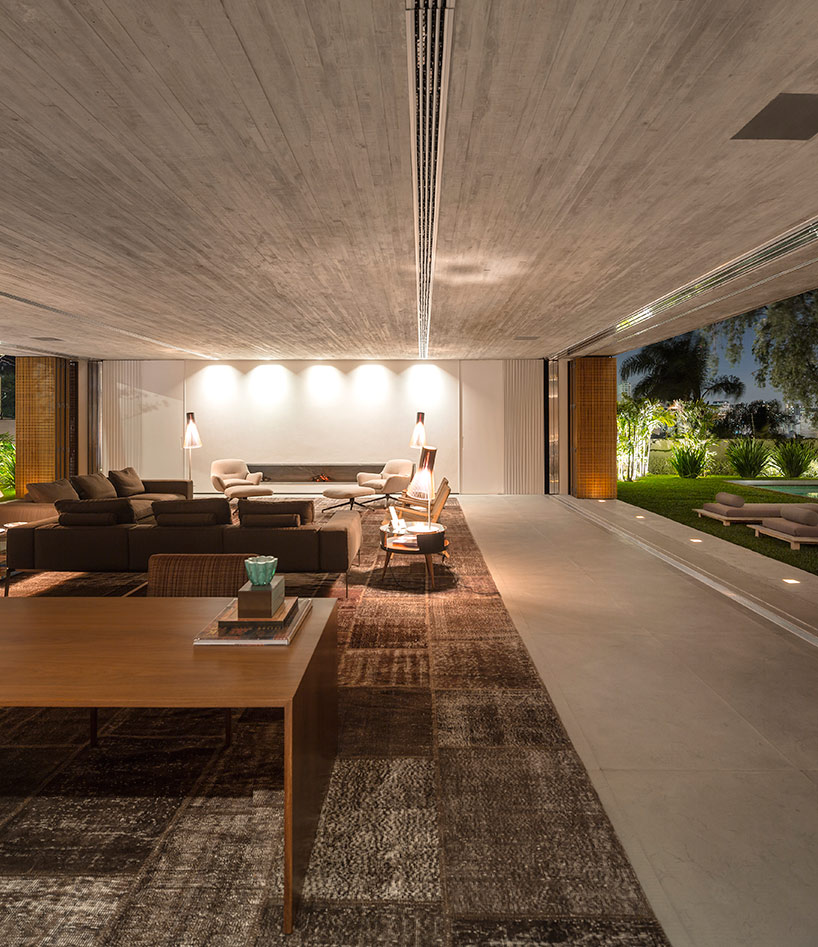 studio mk27 stacks concrete volumes to form casa P