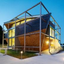 Heri&salli Inscribes Angular Volume Timber Frame