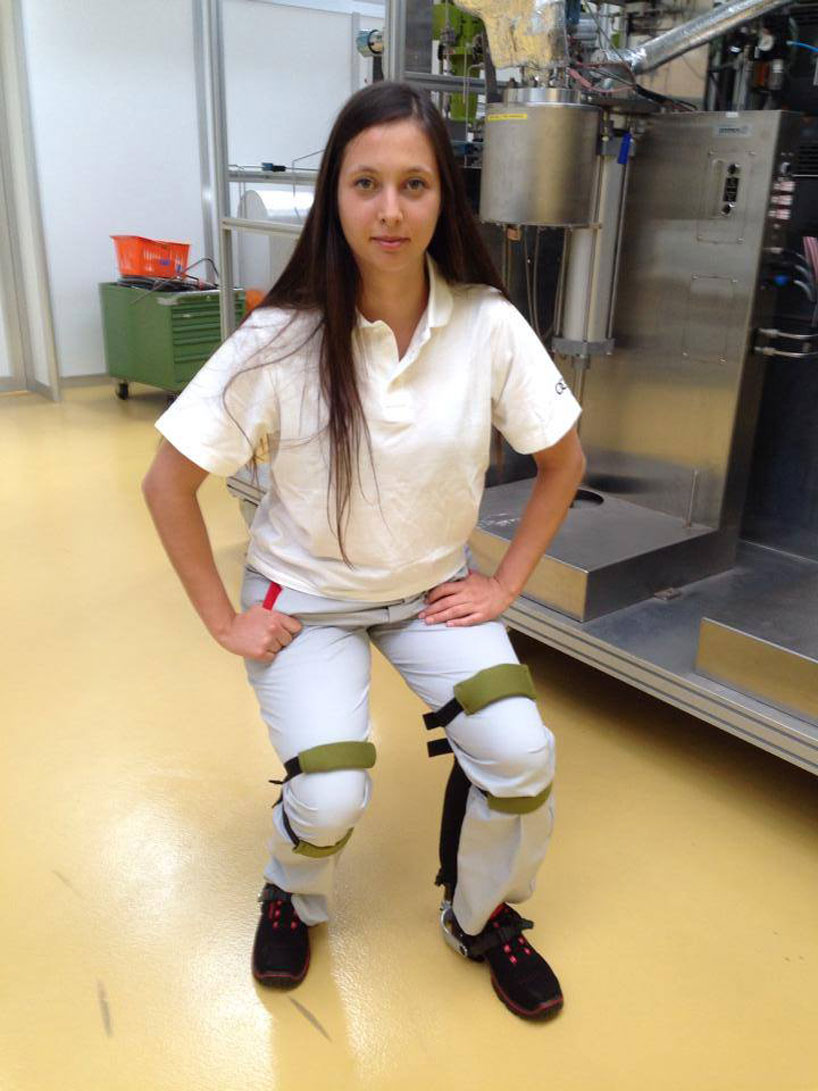 wearable noonee chairless chair improves workers productivity
