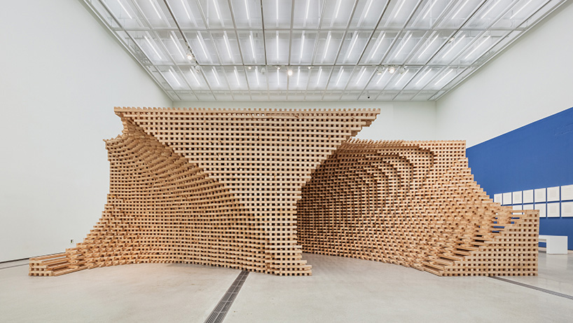 HG Architecture Morphs Wooden Modules Into Pixelated