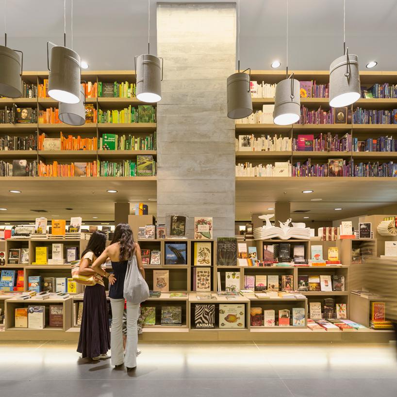 saraiva bookstore in rio de janeiro by studio arthur casas
