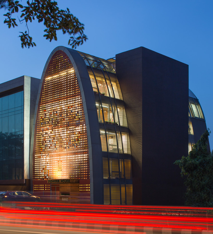 anagram architects faces office building with dynamic