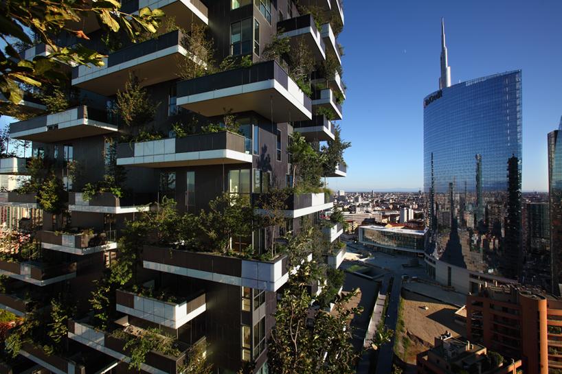 bosco verticale by stefano boeri greens milans skyline