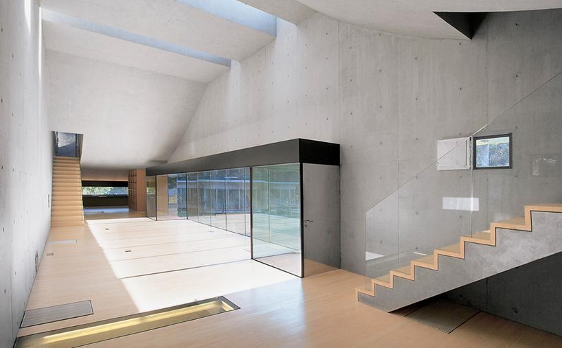 david adjaye adds light box villa to sifang art museum