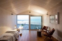 Studio Zero85 Elevates Trabocco Beach House Above