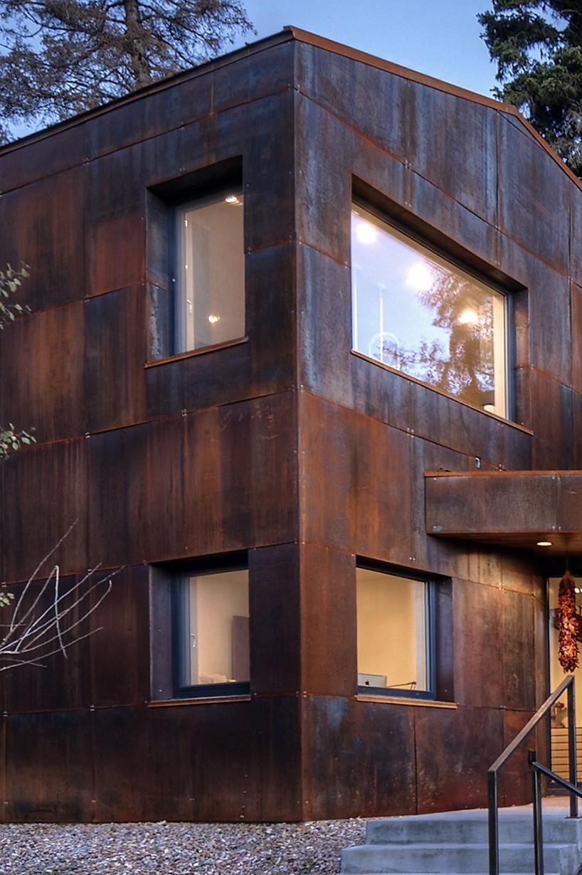 chris price designs ultraefficient home in park city hillside