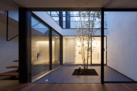 apollo architects extrudes white volume from patio house ...