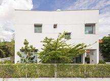 EKAR architects T-house residence