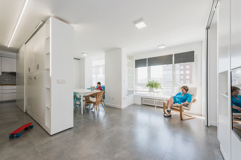 PKMN installs rotating wall unit in spanish apartment