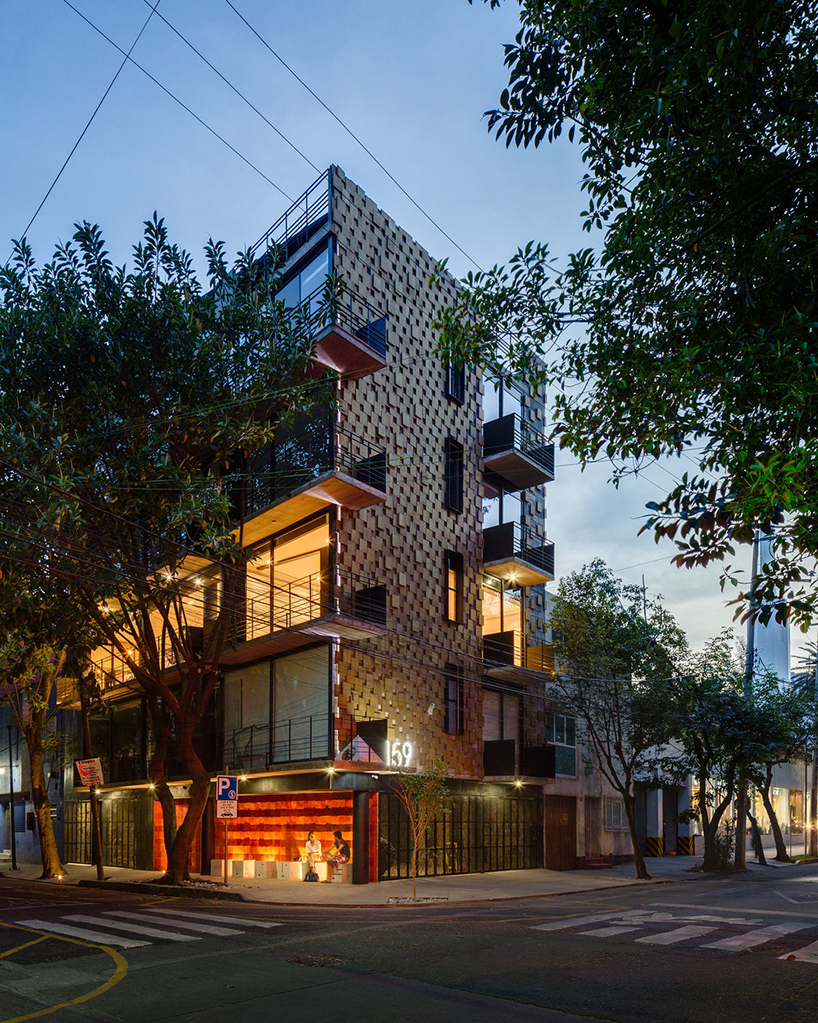 Arqmov Workshop Completes Just BE Apartments In Mexico