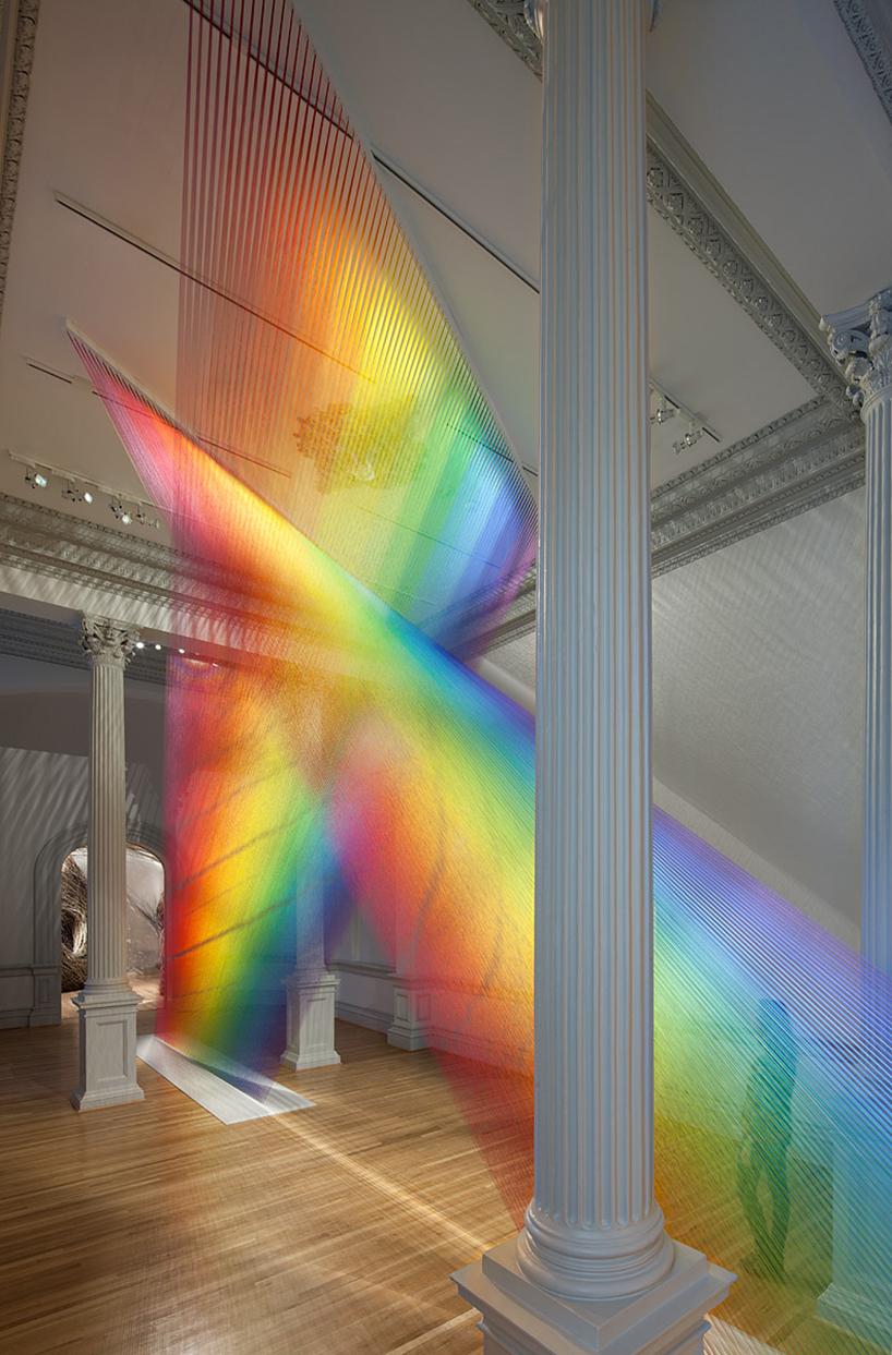 Gabriel Dawe Weaves 60 Miles Of Rainbow Thread Through