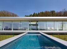 paul de ruiter architects erects transparent villa k in ...