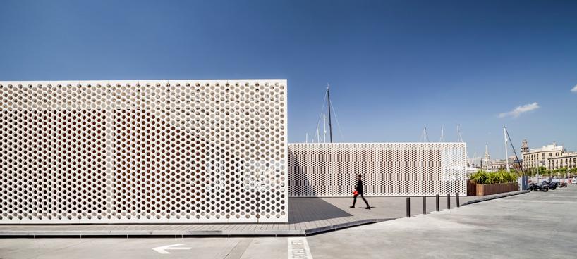 Scob Wraps Barcelona S Waterfront Buildings With Lattice