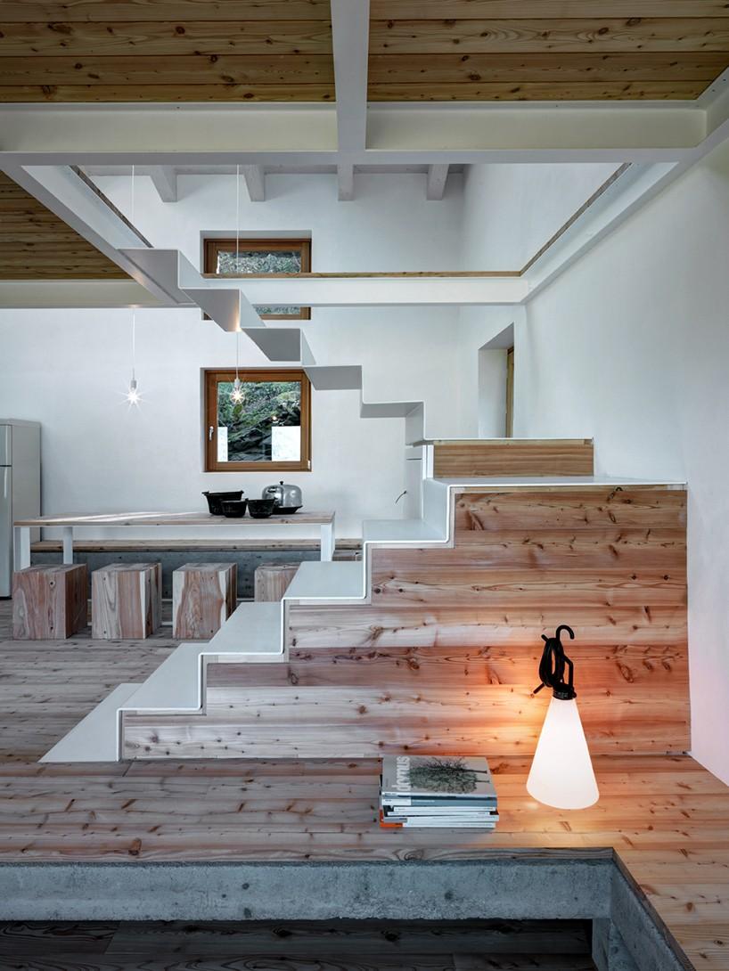 alfredo vanotti of EVA lab atelier realizes casa VI in