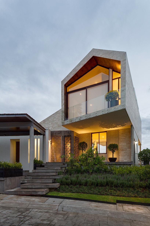 casa LPZ in mexico city by arqmov workshop