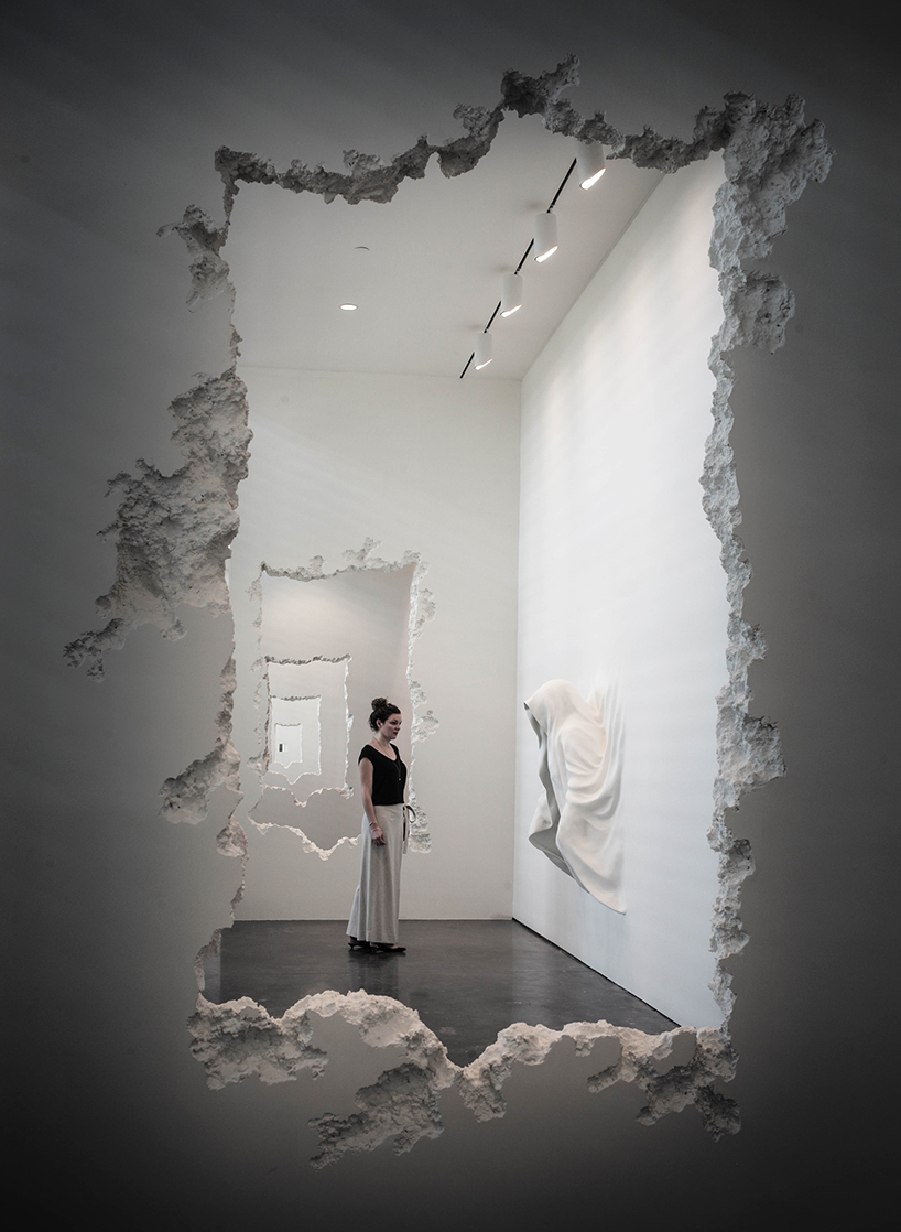 daniel-arsham-the-future-was-then-scad-museum-of-art-05
