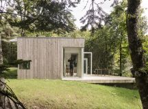 atelier mima constructs 'maison JJ&S.M' in nivillac, france