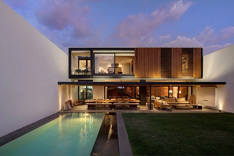elias rizo arquitectos breathes new life into the 1960s