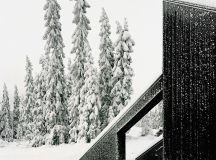 vardehaugen's cabin vindheim appears to be buried by snow