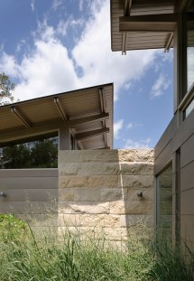 Lake Flato' Hillside House In Texas Overlooks Downtown Austin