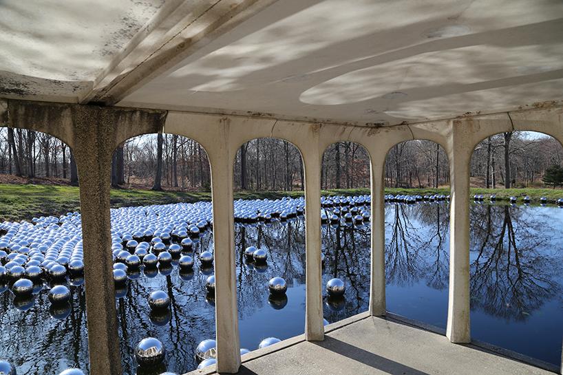 yayoi kusama glass house narcissus garden