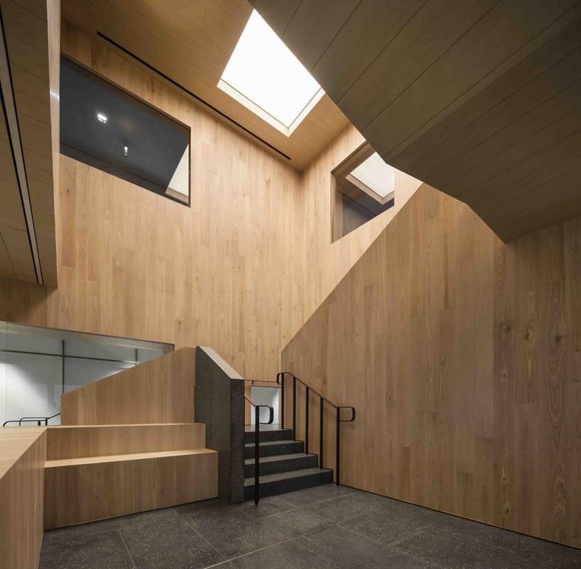 chair design buy sling repair neri&hu bloomberg office's staircase of encounters