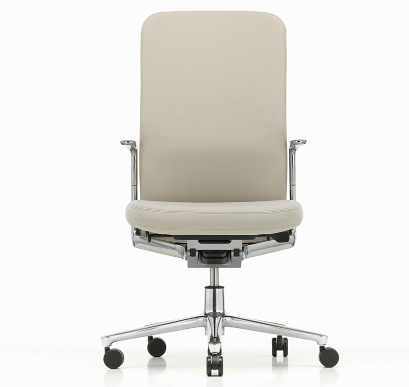 barber  osgerby debut pacific chair for VITRA at