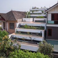 H&P architects builds tiered 'terraces home' in vietnam