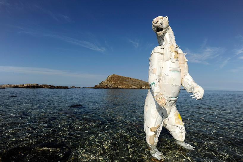 giles-cenazandotti-endangered-animal-garbage-scluptures-designboom-02-21-2017-818-022
