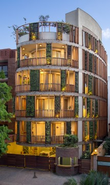 Anagram Architects Builds 'outr House' In Delhi