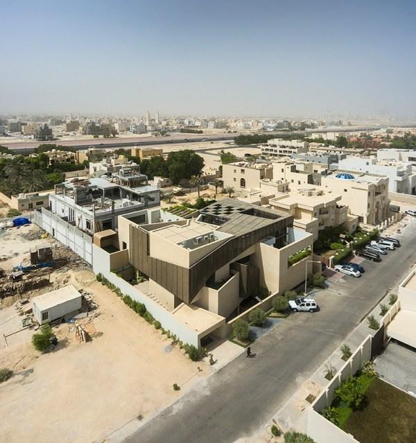 Agi Architects Integrates Three Gardens Kuwaiti Home