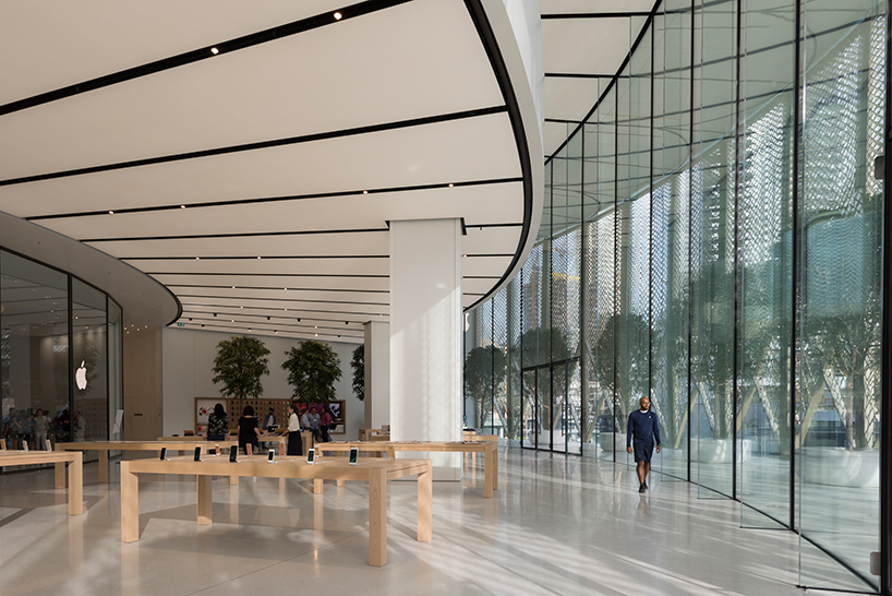 apple dubai mall by foster  partners features giant installation