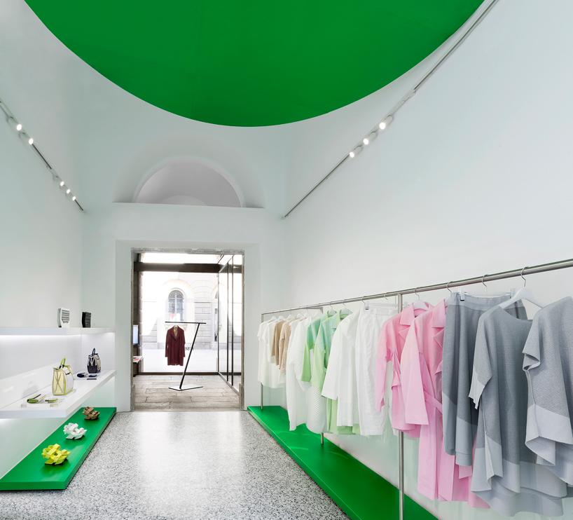 tokujin yoshioka issey miyake milan flagship store opens