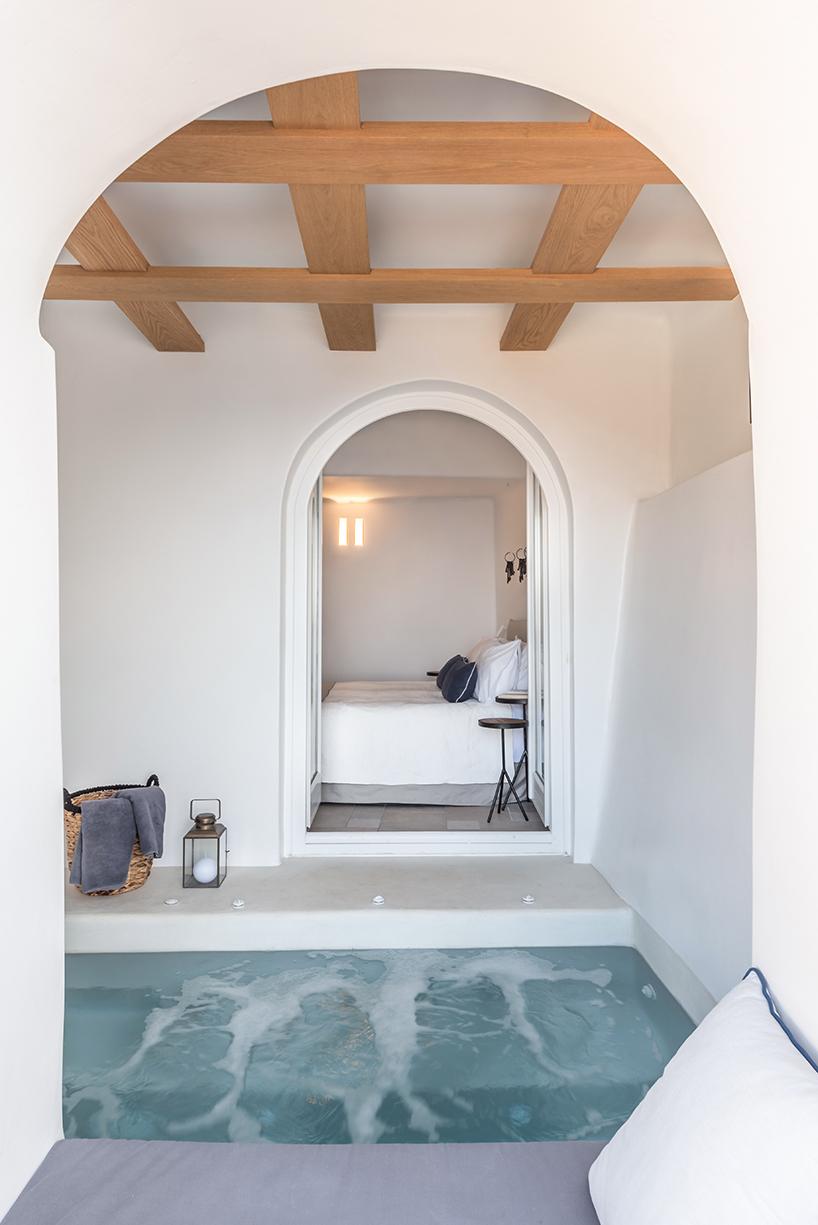 Interior Design Laboratorium Renovates Scenic Suites In