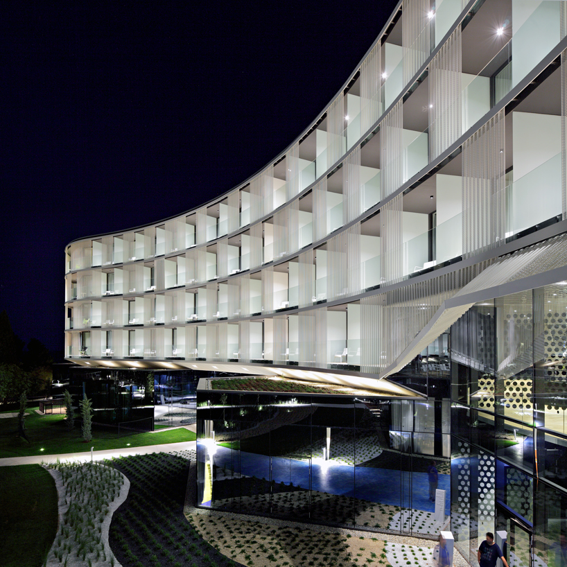 STUDIO UP's hypnotic amarin hotel takes advantage of the croatian coastline
