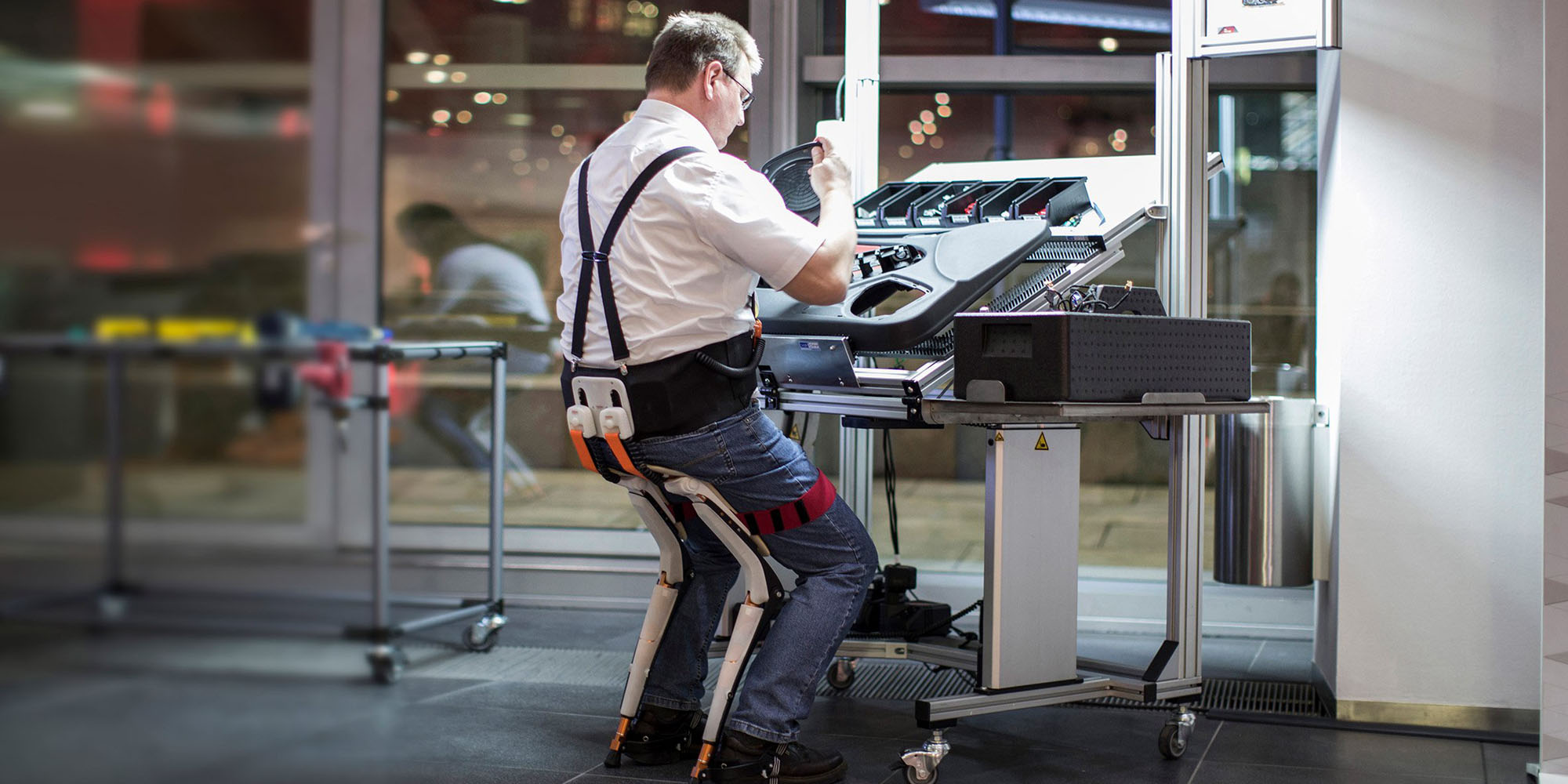 chairless chair supports factory workers with an exo