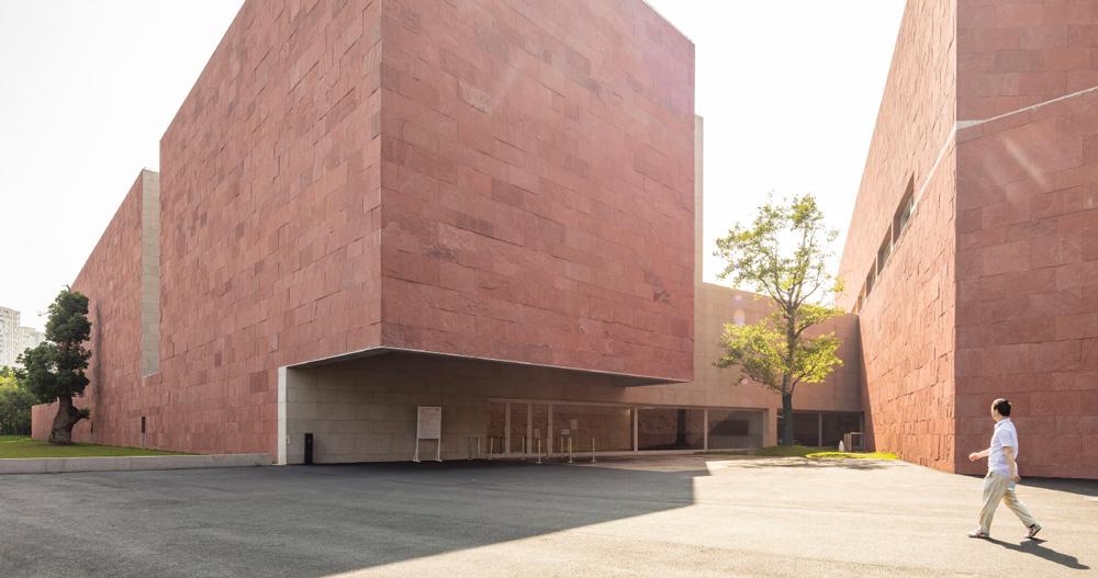 lvaro siza and carlos castanheira complete china design