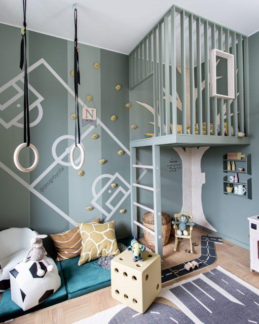 Tree house designbycilla  treehouse trädkoja koja fotbollsrum väggmålning Wall painting soccerroom
