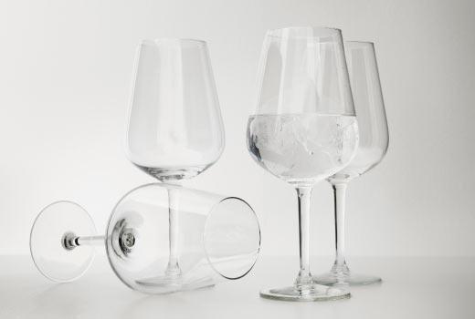Ikea wine glasses, hederlig, shopping for distraction