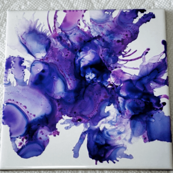 alcohol ink tile coasters. How to make coasters using alcohol ink. DIY tile coasters.